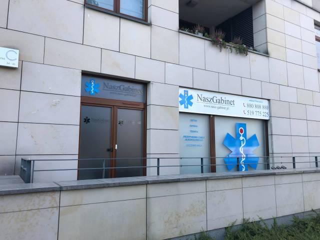 Odtrucia alkoholowe - wejście do NGM Warszawa